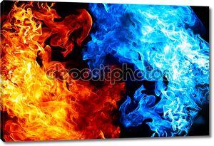 Красный и синий огонь на фоне Бальк