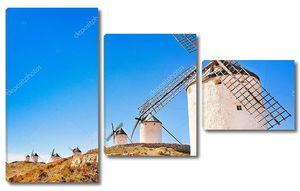 Известные ветряные мельницы на закате, провинция Толедо