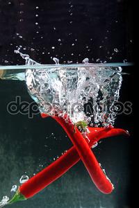 Чили в плеск воды