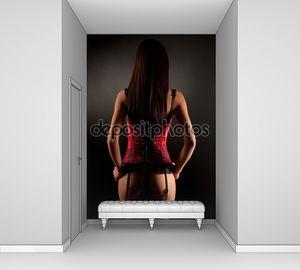 Анонимные девочка в красный корсет