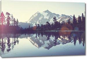 Шуксан. Озеро в горах