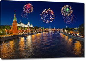 Фейерверк по Кремлю в Москве