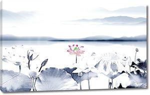 Лотосы на озере у гор