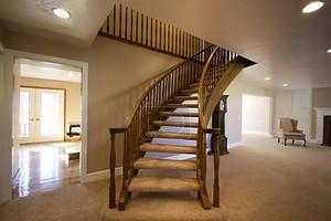 Гостиная с лестницы восходя