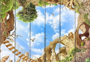 Вид снизу на скалы и облачное небо