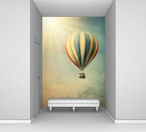 Воздушный шар высоко в небе