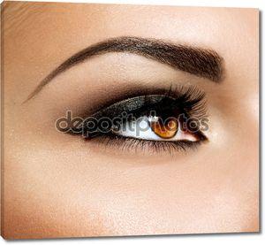 Карие глаза макияж. Макияж глаз