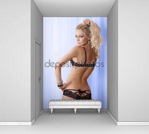 Сексуальная блондинка в нижнем белье