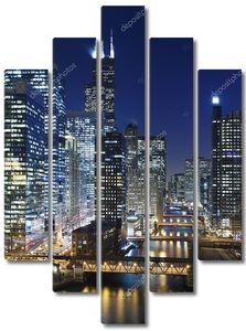 Река Чикаго с мостами ночью