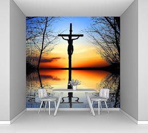 Крест на закате
