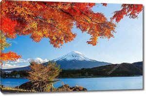Гора Фудзи в осень