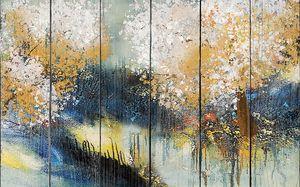 Осенние деревья у воды