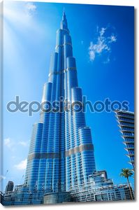 Дубай, ОАЭ. -29 ноября: Бурдж Дубай - самое высокое здание в