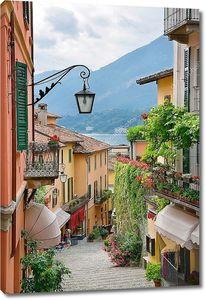 живописный городок улицу в озеро Комо Италия