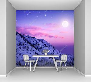 Фиолетовый закат в горах