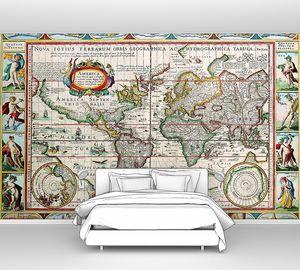 Старая карта и яркие картинки