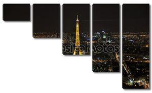 Париж - 4 апреля: Эйфелева башня ночью 4 апреля 2010 года в Париже, f