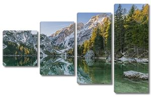 Осенний пейзаж с озера, горы и отражения
