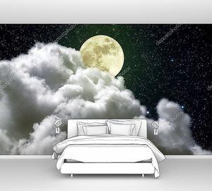 Полная луна над большим облаком