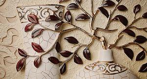 Золотая веточка в вазе