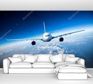 пассажирский авиалайнер в небе
