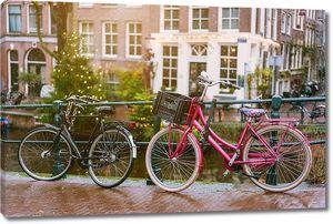 Велосипеды, вагонка мост через каналы Амстердама