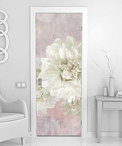 Белые пионы на розовом фоне