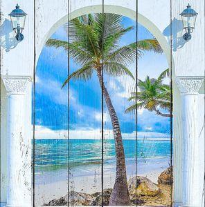 Вид из арки на пляж