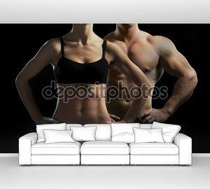 Мужчина и женщина в тренажерном зале