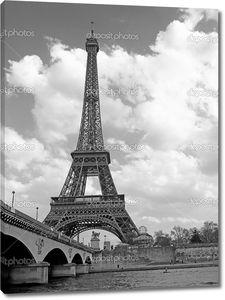 Эйфелева башня с небом
