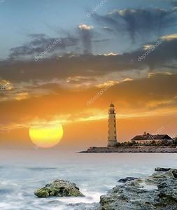 Маяк на закате солнца