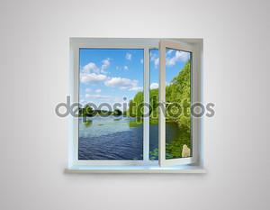 Окно с видом на озеро