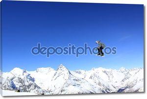 Летающий сноубордист на горы
