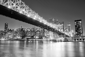 Вид на ночной Нью-Йорк