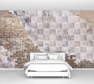 Фреска с плиткой на кирпичной стене
