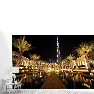 Бурдж Дубай, Ночной Дубай стрит с пальм и с видом на общий бассейн,