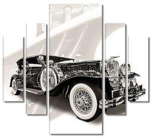 Ретро автомобиль на белом фоне