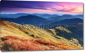 Величественные закат в горах