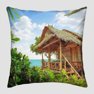Бамбуковые хижины на тропическом пляже