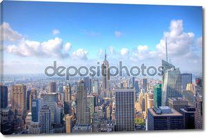 Манхэттен с пасмурным небом