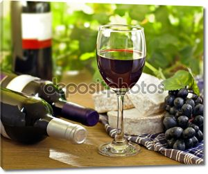 Красное вино, виноград, Бри и камамбер сыры