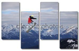 Кадр с трюком сноубордиста