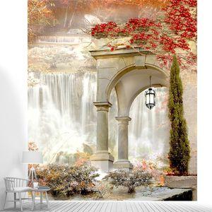 Вид через арку на водопад