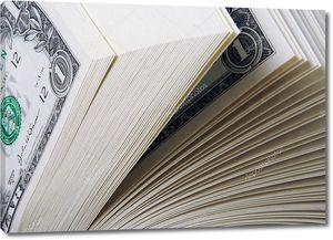 Крупная стопка долларов