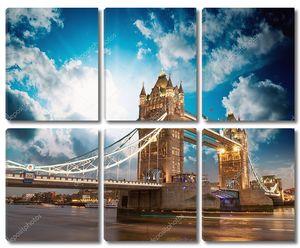 Красивые цвета заката над знаменитый Тауэрский мост в Лондоне