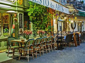 Уличные кафе на ночь