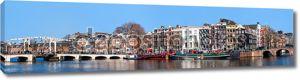 Городская жизнь в центре города Амстердам