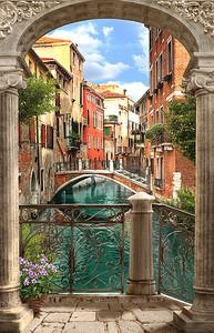Венеция виз сквозь арку