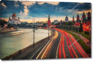 Ночная Москва в красных огнях