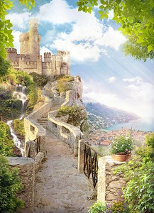 Дорога к прекрасному замку на горе